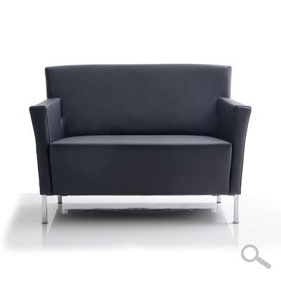 liz sofa sessel und hocker von franz fertig bei sofas in motion. Black Bedroom Furniture Sets. Home Design Ideas